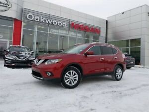 2016 Nissan Rogue SV Tech  *PST Paid! Clean SGI Record!*