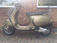 Piaggio Vespa 125 Scooter - very low mileage.