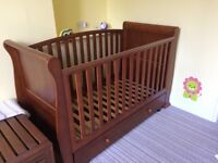 Beautiful wooden sleigh style cot / toddler bed
