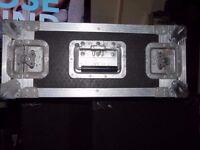 4u Flight case heavy duty riveted with rack strips standard rack mount two lids butterfly latches