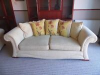 Cream Fabric Suite 3 sofa & 2 Sofa & Chair
