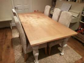 Next Shaftesbury extending dining table