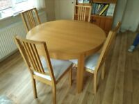 Wooden Extending Dining Room Table and 6 Chairs