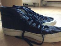 Men's ALEXANDER MCQUEEN black shoes (size 9)