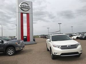 2013 Toyota Highlander Limited V6 Excellent condition Well maint