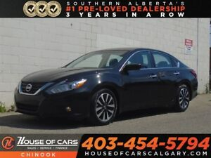 2017 Nissan Altima 2.5 SV w/ Backup Camera, Sunroof, Heated Seat