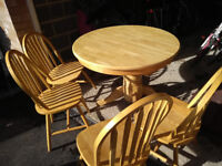 Argos (Kentucky) extendable dining table and 4 chairs