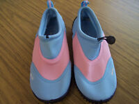 Ladies Three Peaks wet suit or beach shoes pink and blue size 3 new no tags