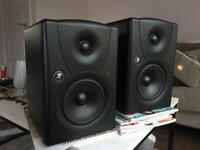 Mackie mr5 active studio monitor speakers