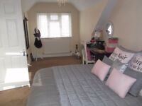 Large 2 bedroom flat 1 minute away from Petts Wood Station- Unfurnished property.