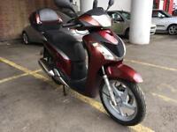 Honda Sh 125 red