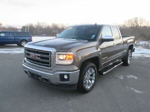 2014 GMC Sierra 1500 SLT.. Heated Leather Seats and Steering.. R