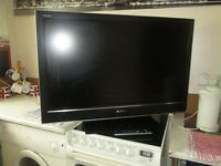 """40"""" Sony Bravia TV built in Freeview ,Remote control and Original stand , Has HDMI & Scart Sockets"""