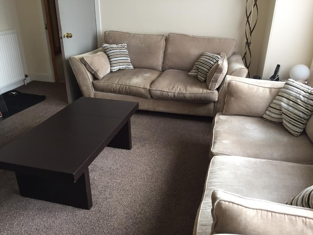 Free 2 4 seater sofas plus coffee and site table