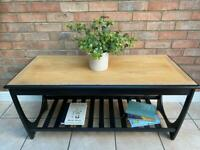 Mid Century Modern / Retro Coffee Table