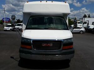 2006 GMC Savana 3500-HANDI-CAP VAN-POWER WHEEL CHAIR LIFT Belleville Belleville Area image 8