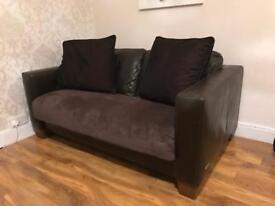 2 seater Leather Sofa for sale comes as it's pictured! 😊