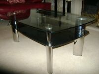 GLASS LIVING ROOM COFFEE TABLE FOR SALE.