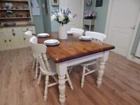 GORGEOUS VINTAGE SHABBY CHIC PINE DINING TABLE & 4 CHAIRS