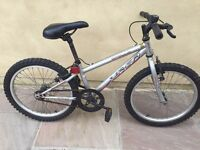 Apollo xc20 boys bike