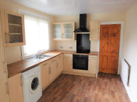 Beautiful 3bed semi with new kitchen, driveway, garage and workshop in Penicuik for rent