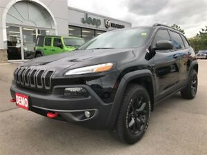 2018 Jeep Cherokee Trailhawk 4x4 w/Leather, Sunroof, Navigation