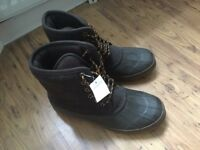 Land's End Men Boots (US size 9.5 / UK size 9), New with Tag