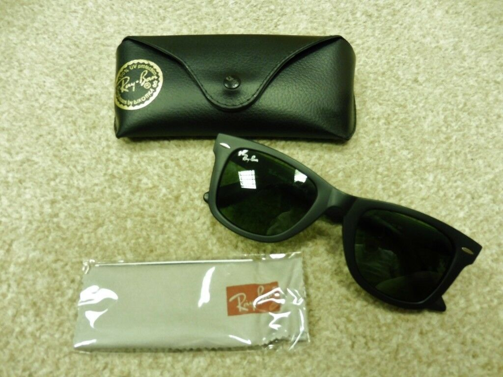 aafff8cafe3 Ray Ban Wayfarer Sunglasses. Black With Green Lense. New And Boxed
