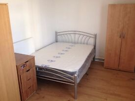 Double for one person, Canary wharf! £140pw! Available now!