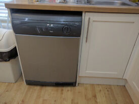 8 kg hotpoint condenser dryer, very good condition, pickup only