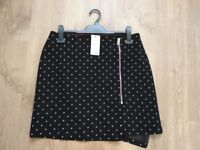 Eye-catching skirt from Asda with a zipper - NEW - SIZE 12