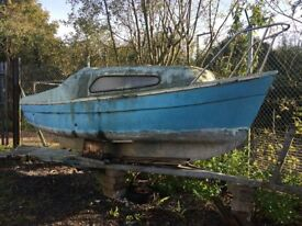 BILGE KEEL SAILING BOAT - 16 FOOT - OPEN TO OFFERS!!
