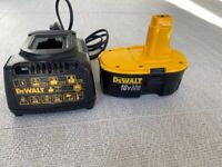 DEWALT 18v 2.6Ah Battery and Charger