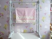 SHABBY CHIC VTG HAND PAINTED FRENCH GREY WOODEN TOWEL RAIL