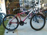 CROSSTRAIL BIKE 26 INCH WHEELS 21 SPEED FRONT SUS ALLOY GOOD CONDITION