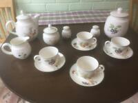 Ashberry tea set