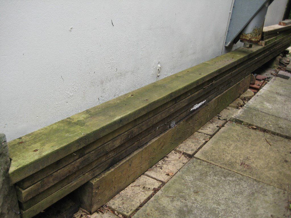 5 very long unridged decking boards in faringdon