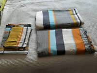 2x king size duvet covers with 4 house wife pillow cases.