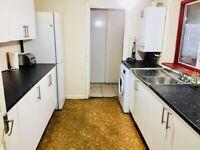 5 Bedroom House, 1 Seperate Living Room East Ham E6 Upton Park E13