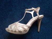 Jenny packham size 5 gold shoes. Never worn!