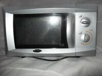 Billing Microwave Oven 700 Watts output. £25.00