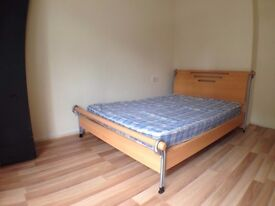 ----- LOOKING FOR A SIMPLE & CHEAP SINGLE ROOM 20 MIN FROM CENTRAL LONDON ------