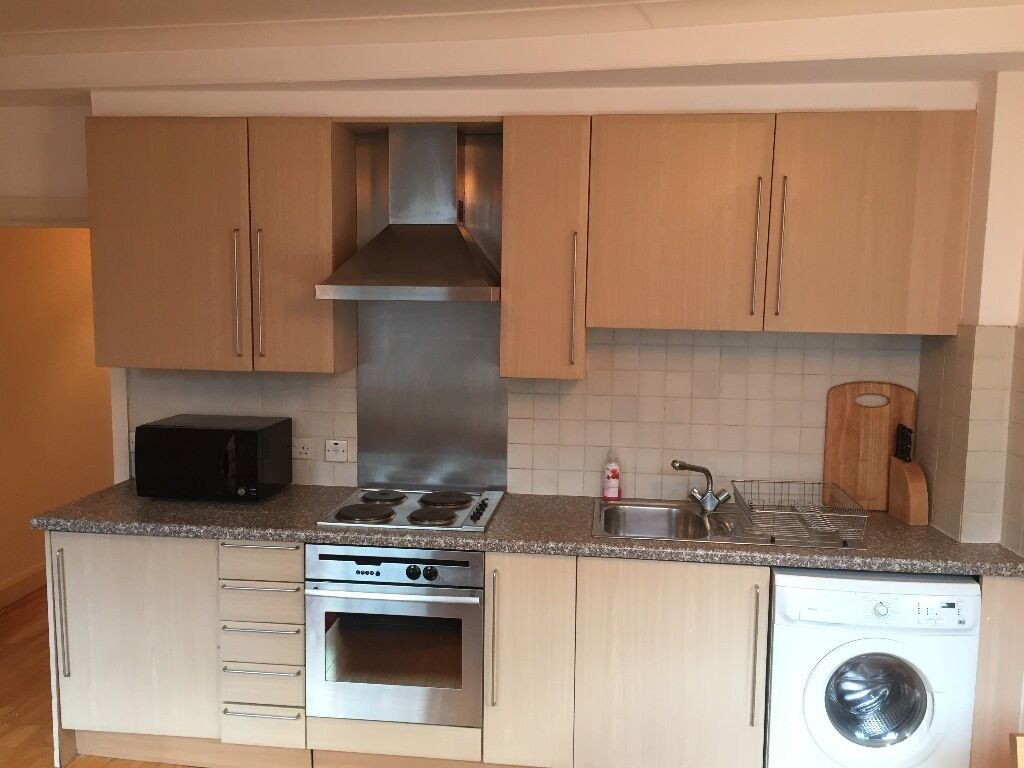 Well located quiet flat in a City of London conservation area