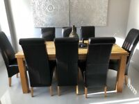 Oak Table including 8 chairs