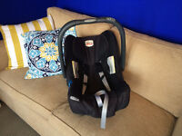 Britax baby safe SHR II car seat and 2 x bases