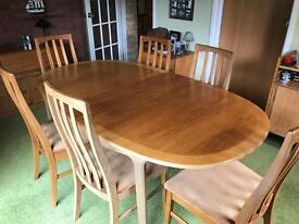 Extendable 6 Seater Dining Table