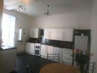 Lovely large 2 bed unfurnished flat, central Kirkcaldy