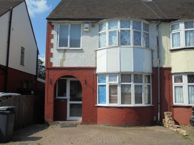 Excellent 3 Bedroom Semi Detached House In Luton Bedfordshire Gumtree Download Free Architecture Designs Lukepmadebymaigaardcom