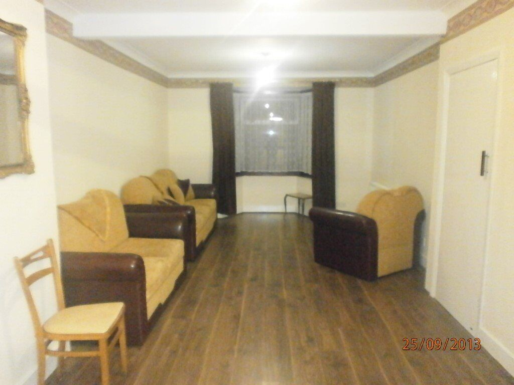 3 Bed House in Dover Road, Edmonton