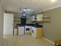 £625 PCM 2 Bedroom Flat With Parking In Canton Court, Canton, Cardiff, CF11 9BG.